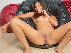 Stunning latina Lola Bunny leisurely taunts and massages her delicate flesh as she peels off naked. Naughty stunner deep-throats on a faux-cock before she begins toying with her rock hard tits. Then this jizz greedy hotty leisurely catapults a faux-cock to reach orgasmic pleasure.