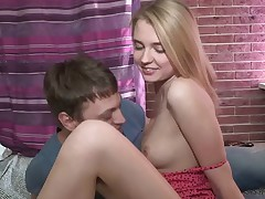For these wild teens spring is the time to take it to a new level in terms of orgy and when they eventually decide to go to junkie land the stud doesn't hurry preparing his girlfriend's bum for the penetration. His jizz-shotgun is so voiced she is too scared to take it, but a deep junkie with 2 fingers produces so much that she just can't stand against the temptation.