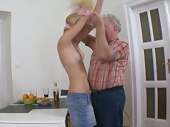Getting penetrated by an aged gifted has always been a desire of Rosy's, but this ultra-cutie at no time speculum it would happen when her tweak leaves the culos for a time.